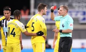 Fulham's Joachim Andersen is sent off.