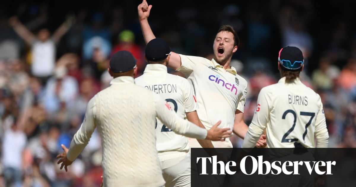 Robinson stars as England thrash India by innings and 76 runs to level series