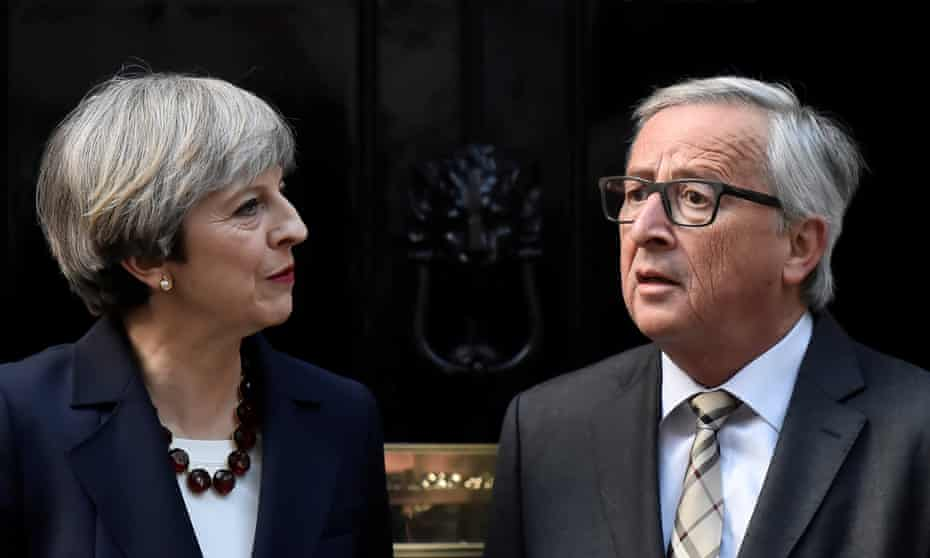 Theresa May welcomes Jean-Claude Juncker to Downing Street on 26 April 2017