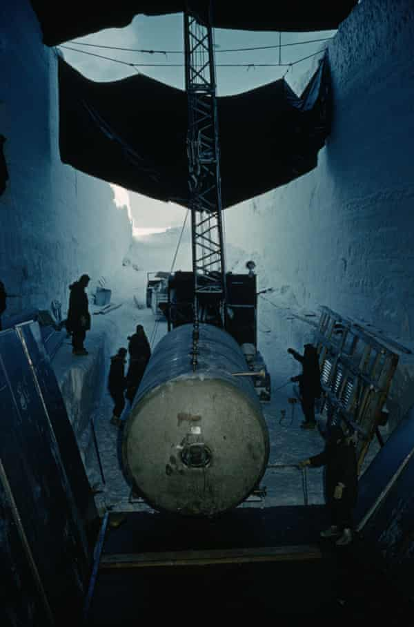 Nuclear waste tank