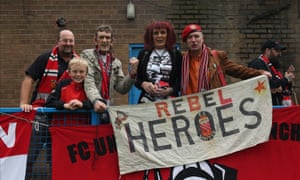 FC United fans