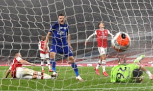 Jamie Vardy of Leicester City scores his team's equaliser.