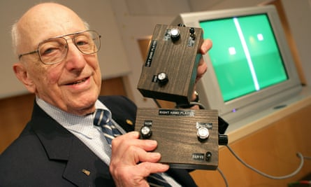 The late Ralph Baer and his prototype of the first games console in 2009.
