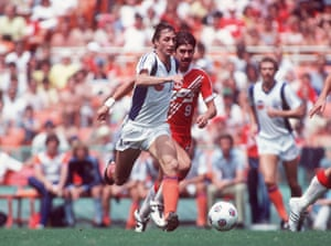 Cruyff signed a lucrative deal with the Los Angeles Aztecs to play in the North American Soccer League