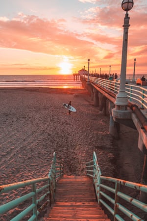 Sunset and pier. One of the best sunsets of 2017 so far, with the pier at Manhattan Beach lit up by an explosion of colours. Manhattan Beach is a hotspot for beach volleyball and surfing.