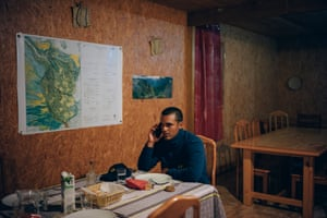 Cyril has dinner at Mme Pauline's gite, alone. Because of the risk of a cyclone, no hiker has booked for the night.