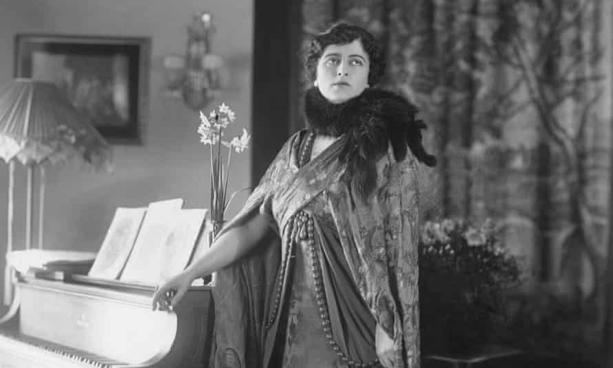 Maxine Elliott, photographed in her heyday as an actress, 1917