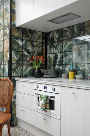 Tiles with style: the kitchenette.