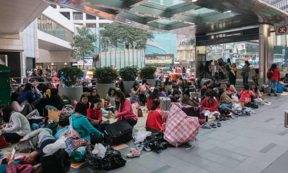 Hong Kong migrant workers in Statue Square