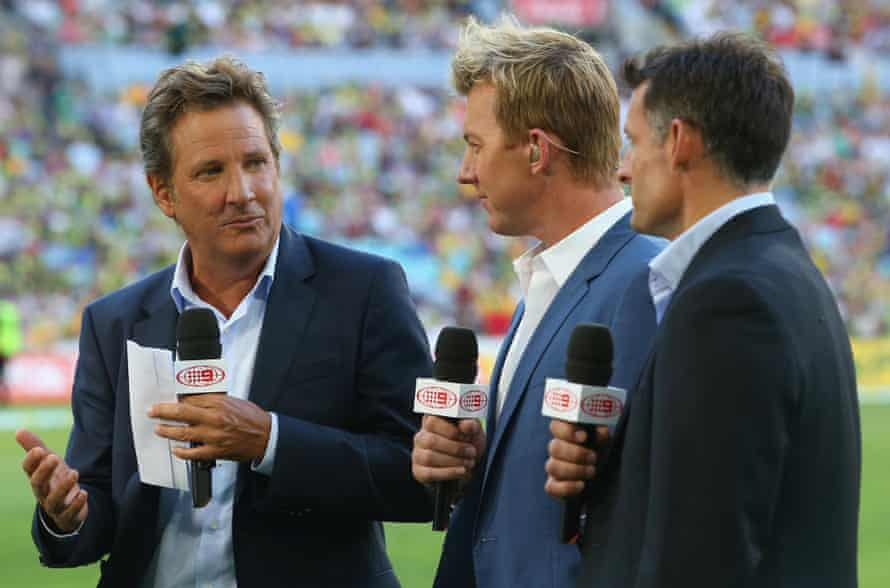 Former players Mark Nicholas, Brett Lee and Michael Hussey discuss a Twenty20 match between Australia and England earlier this month.