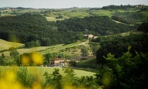 view of Fattoria Barbialla Nuova in Tuscan countryside