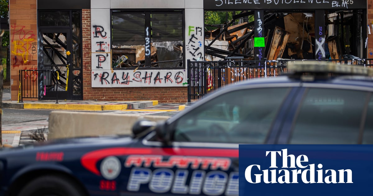 Gun violence kills 160 as holiday weekend exposes tale of 'two Americas' - The Guardian