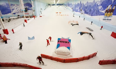 Skiers at the Chill Factore