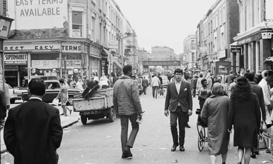 Shoppers on Portobello Road, London, in 1967