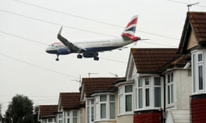 A plane coming in to land at Heathrow airport
