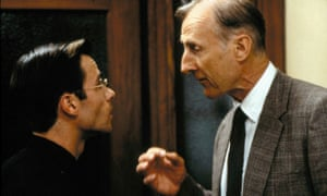 Guy Pearce (left) and James Cromwell in LA Confidential (1997), directed by Curtis Hanson.