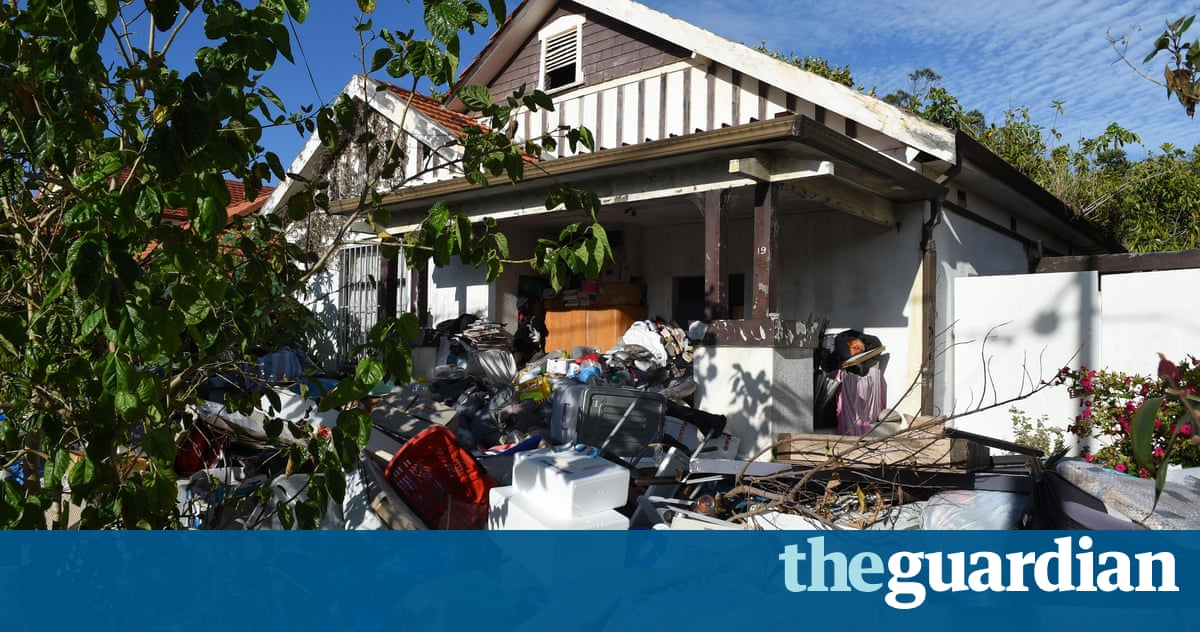 Bondi hoarders: forced auction stalled after cash keeps ...