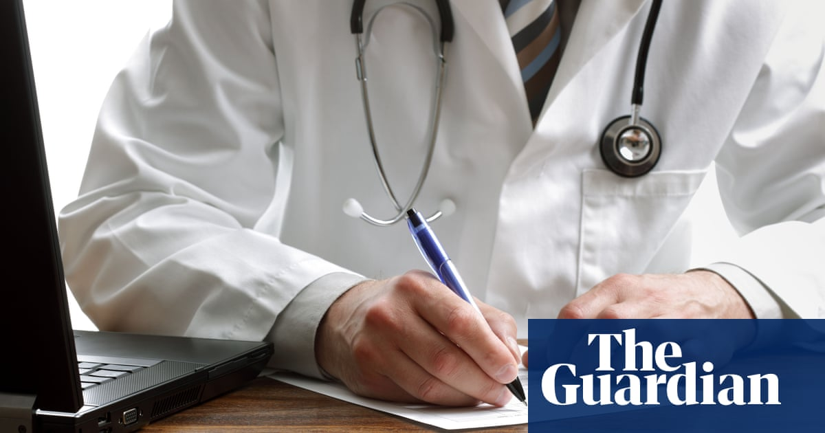 GPs urged to refuse to hand over patient details to NHS Digital