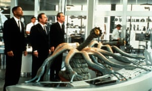 Will Smith, Rip Torn and Tommy Lee Jones in Men in Black, 1997