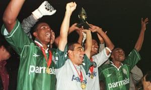 روکه جونیور با پالمیراس در سال 1998 قهرمان جام مرکوسور شد.