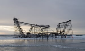 Rollercoaster in a the sea, a scene from Homo Sapiens.