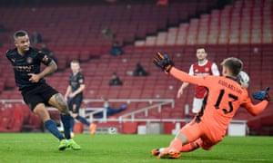 Arsenal's Runar Alex Runarsson saves a shot from Manchester City's Gabriel Jesus.