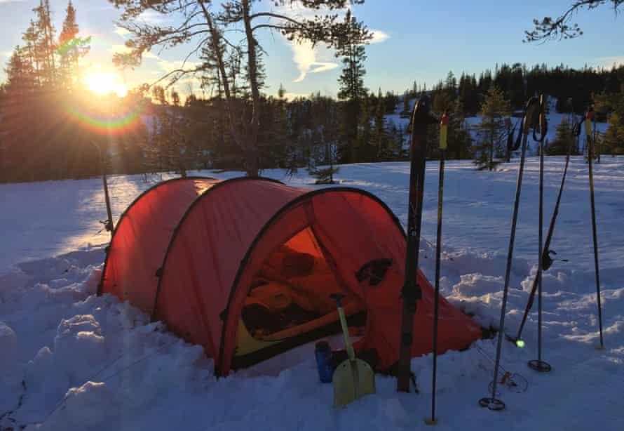 Expedition medicine, camp