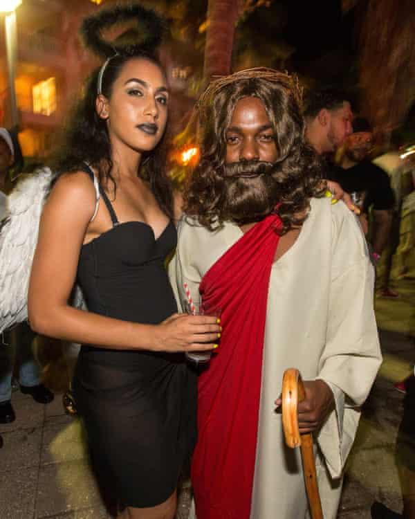Kendrick Lamar and fiancee Whitney Alford celebrate Halloween in 2014.