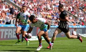 Ben Barba scores for St Helens against Widnes at the Magic Weekend at St James' Park.
