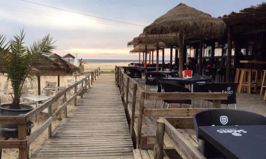 Old Beach Club Bar