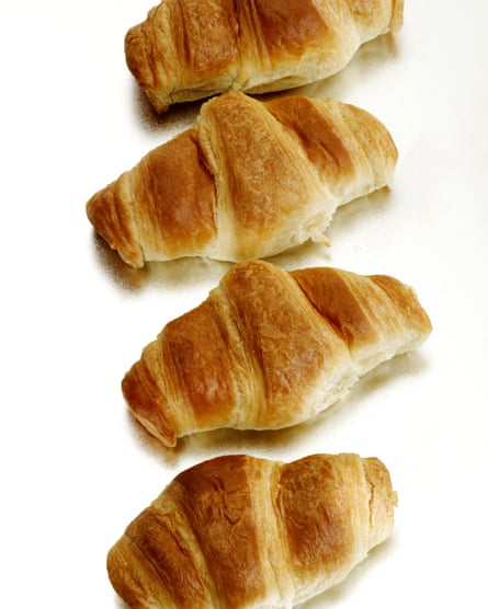 The saga of the straight croissant is a nontroversy.