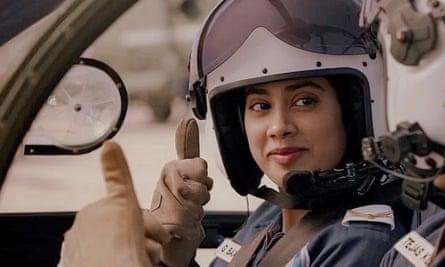 Gunjan Saxena The Kargil Girl Review Janhvi Kapoor Excels As An Indian Air Force Pioneer Drama Films The Guardian