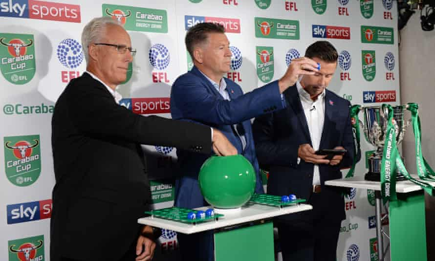 Mick McCarthy (left) and Chris Waddle (centre) Waddle pick out the balls for the Carabao Cup second-round draw.