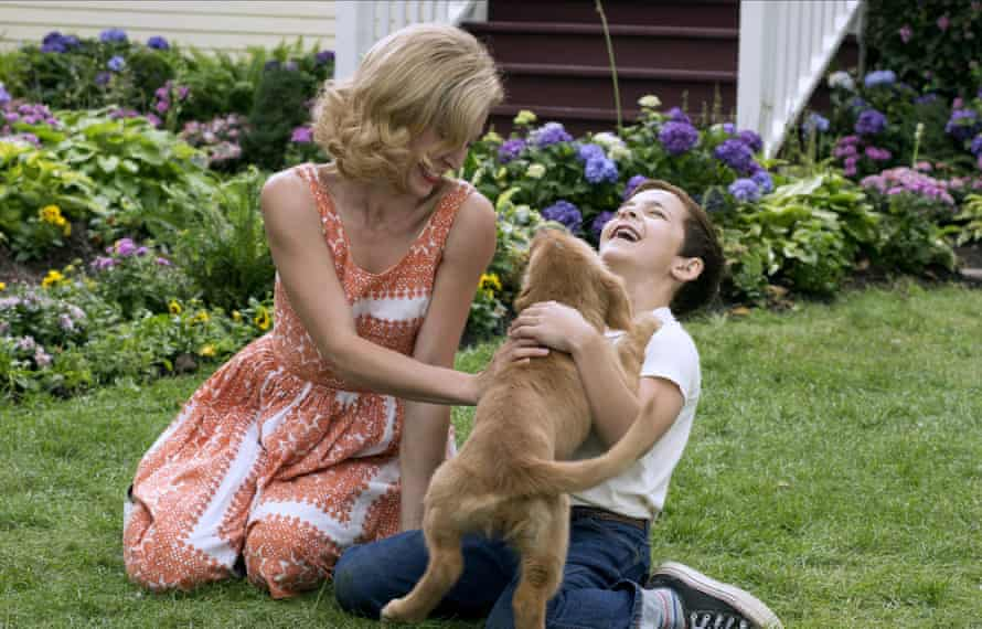 Hound of love: Juliet Rylance, Bryce Gheisar and furry friend in A Dog's Purpose.