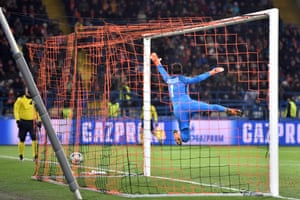 Roma goalkeeper Alisson has no chance with Fred's pearler of a free-kick into the top corner.