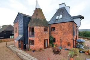 Fantasy : odd roof : Wye, Kent