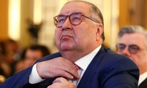 Russian businessman Alisher Usmanov has strengthened his ties with Everton