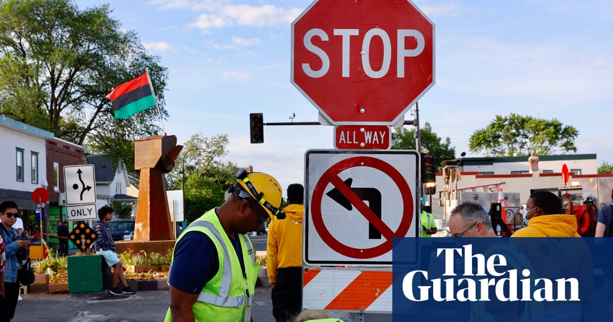 Minneapolis removes barricades to reopen George Floyd Square to traffic