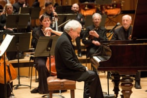 András Schiff with the OAE at the Royal Festival Hall.