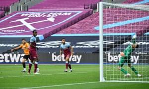 Pedro Neto smackes in Wolves' second goal.