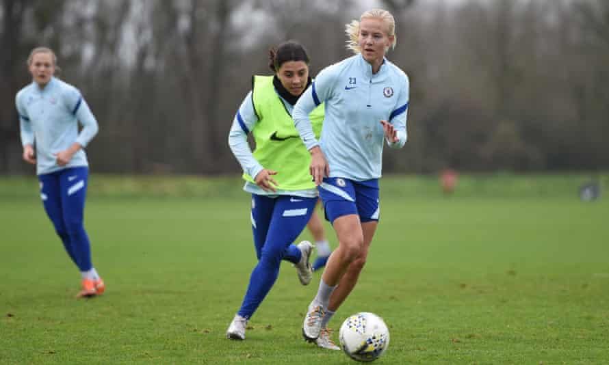 Kirby's teammates Pernille Harder (front) and Sam Kerr during a Chelsea training session last December.