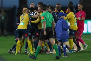 Central Coast Mariners and Melbourne Victory players