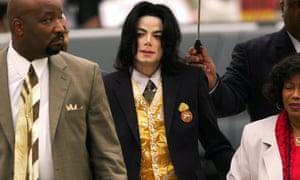 Michael Jackson arrives at the Santa Barbara county courthouse in Santa Maria, California on 25 May 2005.