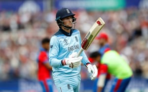 Joe Root leaves the field after being dismissed for 88.