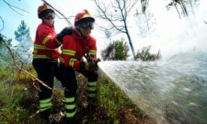 Firefighters in Vale da Ponte, Pedrógão Grande
