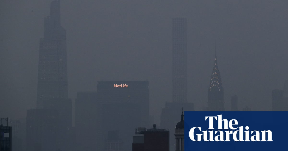 New York air quality plunges as haze from west coast wildfires shrouds city
