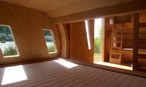 Living space inside the Nuage Zebra cabin