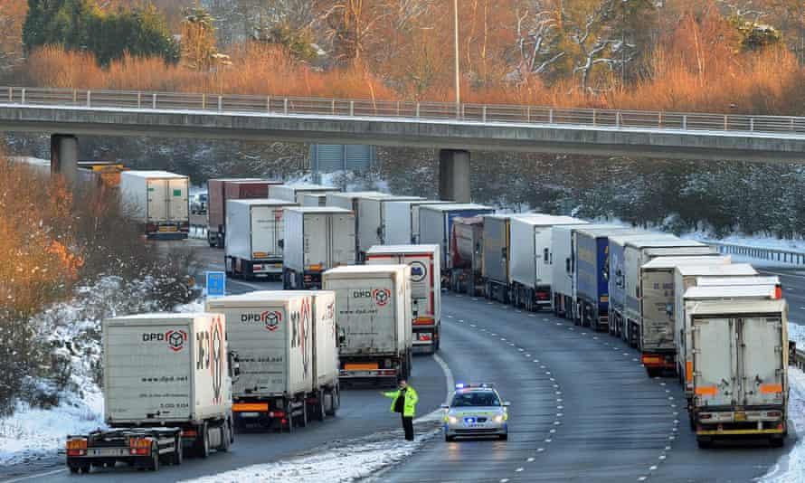 Lorries queue on the M20