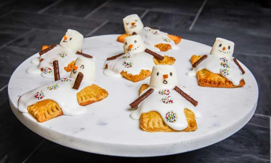 Kim-Joy bakes: pop tart snowmen Christopher Thomond for The Guardian.