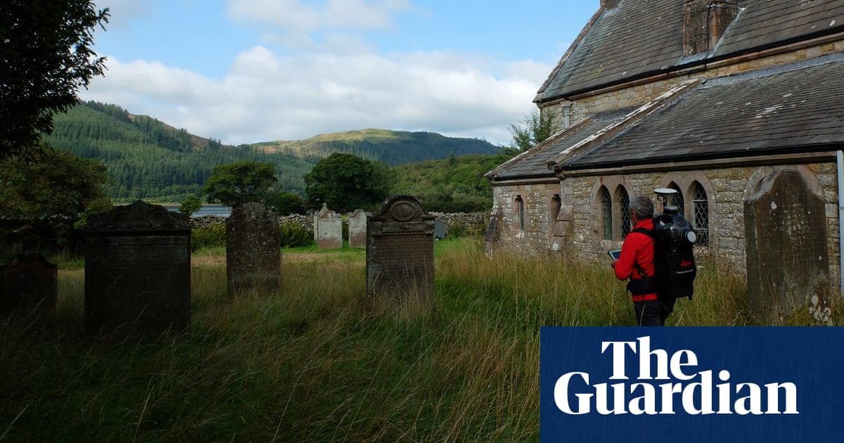 Graves in 19,000 English churchyards to be mapped online